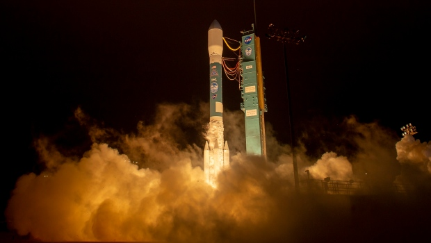 Nasa launches satellite to study ice changes on Earth