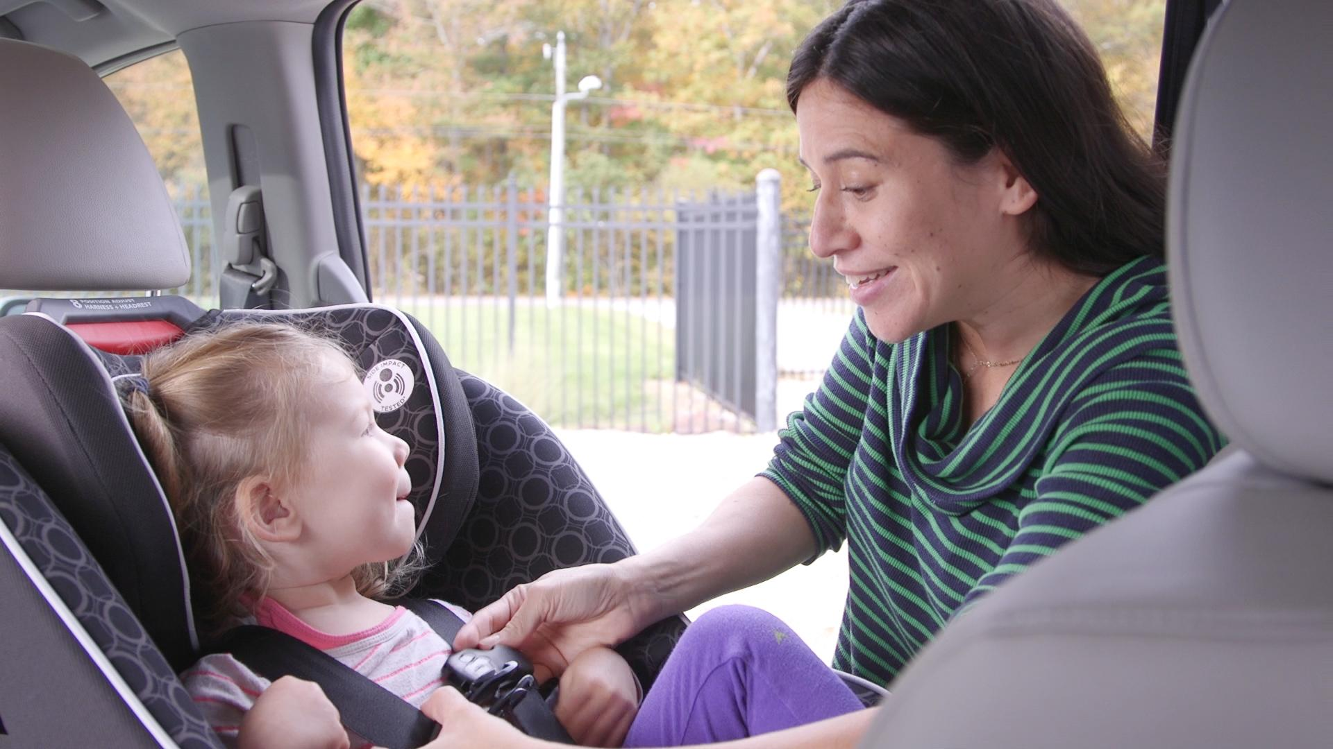 Experts Decide to Drop Age Limit of Rear-Facing Car Seats